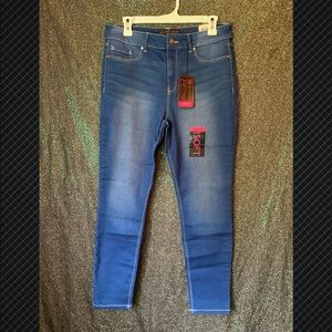 High rise skinny fit Jeggings jeans size 15 NWT